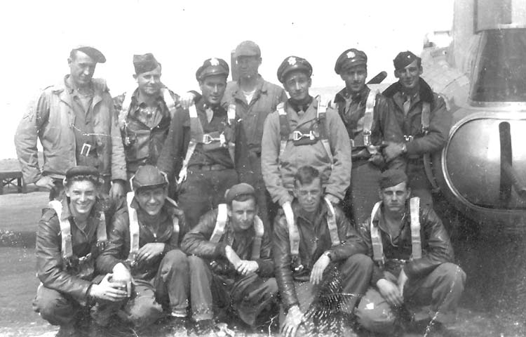 An unidentified B-17 crew