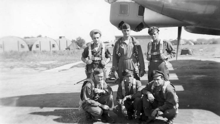 Lt Owen Sowers and his B-24 crew at Station 174